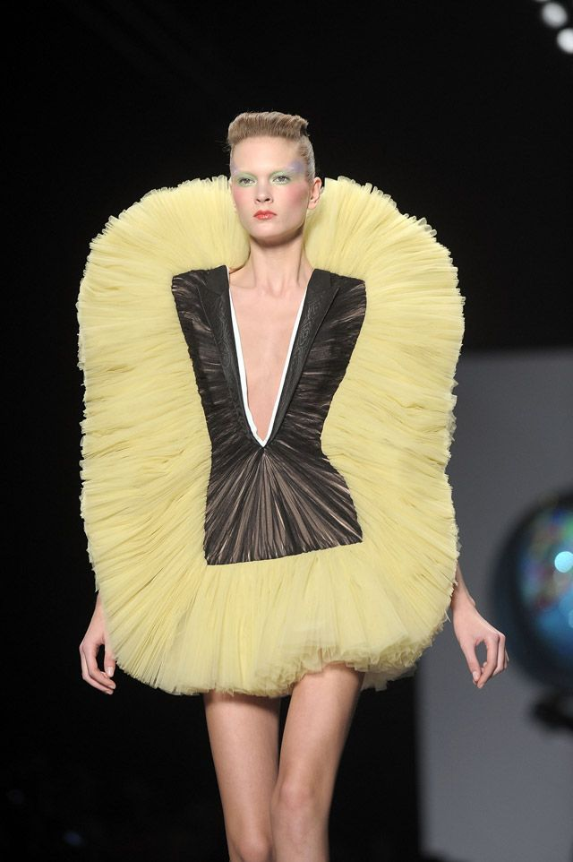 Viktor & Rolf ~ Aha....the missing replacement head for my mop.  I wondered what happened to it . .