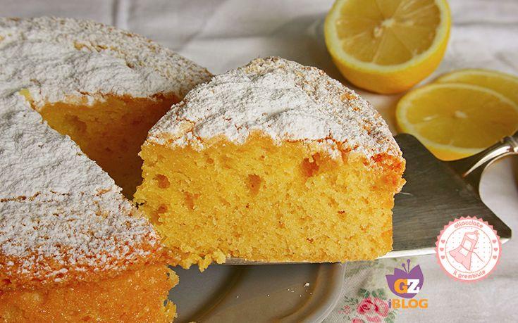 la torta soffice al limone senza burro è una ricetta facile, veloce e profumatissima. Perfetta per la colazione o la merenda. Ottima da farcire.