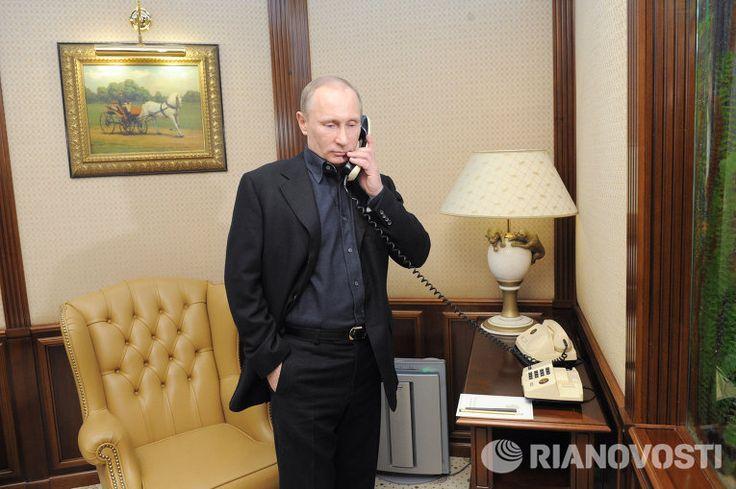 Эксперт назвал возможные темы переговоров Путина и Трампа   12:16 28.01.2017   (обновлено: 12:37 28.01.2017)   https://ria.ru/politics/20170128/1486689053.html