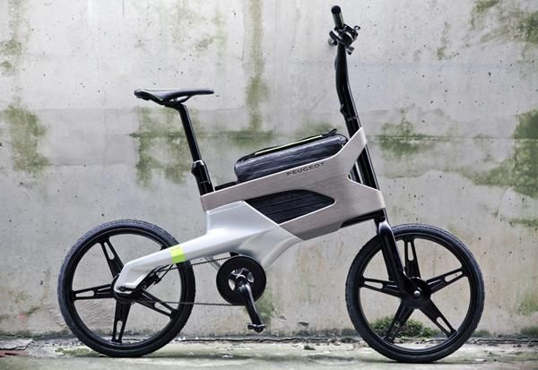 Peugeot DL 122 concept urban bicycle comes with a slot for laptop bags
