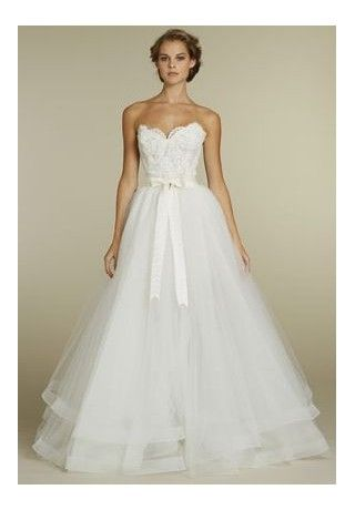 (my note:  this dress is GORGEOUS; love the skirt but the top, not so much