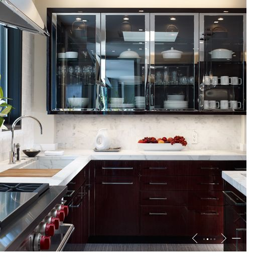love the glass cabinets de giulio kitchen design chicago - Delaware Kitchen Cabinets