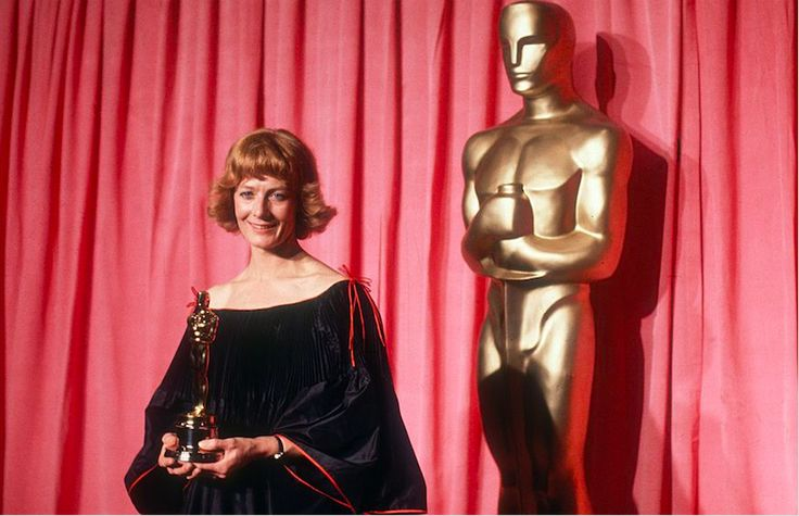 "20 Unforgettable Oscar Moments:    A Political Showdown:    THE MOMENT: Vanessa Redgrave, a supporter of the Palestinian Liberation Front, ""salutes"" Hollywood for resisting ""Zionist hoodlums""  who protested her Best Supporting Actress nomination for her role in 1977's ""Julia.""  THE UPSHOT: Screenwriter Paddy Chayefsky drew cheers when he responded: ""I'm sick and tired of people exploiting the occasion of the  Academy Awards...  More..."