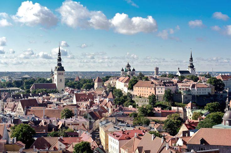 #Travel #Matka #Tallin #Estonia #Europe #Tallinna #Viro #Eurooppa #architecture #architecturephotography #sky #blue #building #photo #arkkitehtuuri #taivas #sininen #rakennus #kuva #kuvat #tatianadorokhova #instaphoto #photooftheday #nikon #valokuvaaja #cloud #clouds #pilvi #pilvet
