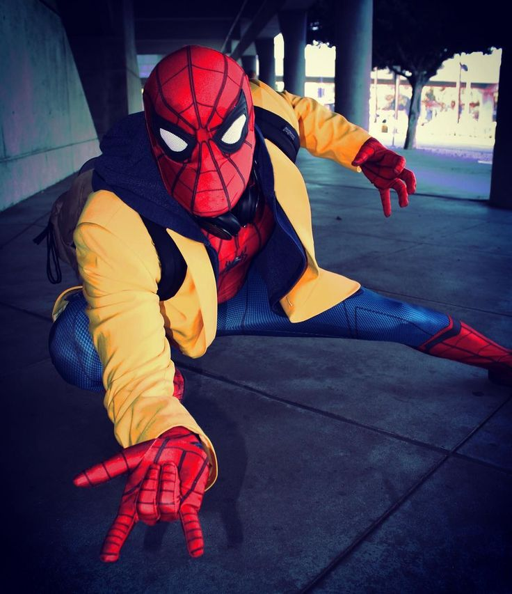 Spider-Man Spider-Man does whatever a spider can As long as it's after three pm or on the weekends . . . Spider-Man- @djprovoke . . . #comikaze #comikaze2017 #lacomiccon #lacomiccon2017 #spidermanhomecoming #spiderman #spidermancosplay #peterparker #peterparkercosplay #marvel #marvelcosplay #marvelcomic #marvelcomics #cosplay #costume #costumes #spider
