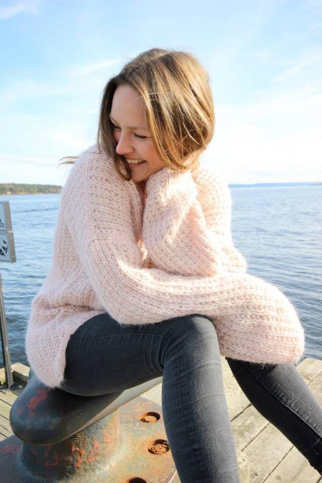 Genser i fargen 4602 Pudder rosa #skappel #sandnesgarn #strikk #knit