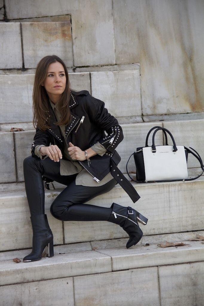 Marta Carriedo con la con la Studded Leather Jacket de anine bing  #itgirlmarta #leatherjacket http://www.it-girl.es/rocking-2014/