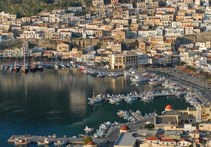 Kalymnos e sua cidade, um pouco diferente das tradicionais casinhas brancas gregas - Ilhas do Dodecaneso