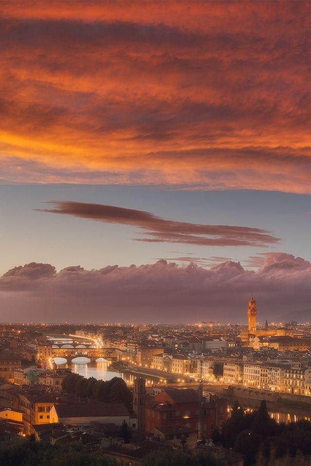 Florence, Italy CHIANTIOFFLORENCE Portale di promozione turistica ed enogastronomica Firenze e Chianti Tourism portal and gastronomic, Florence and Chianti www.chiantiofflorence.com