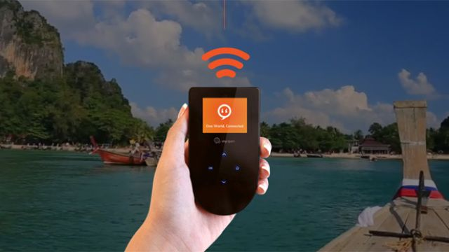Februar 2017 - Skyroam introduces their mobile hotspot to Europe during MWC.