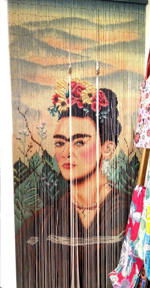 Rideau de porte fantaisie en bambou Frida Khalo kitsch kitchen.