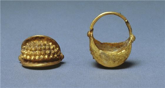 Mesopotamian basket hair ornaments