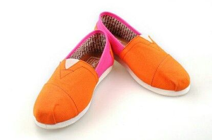 Orange and pink Toms