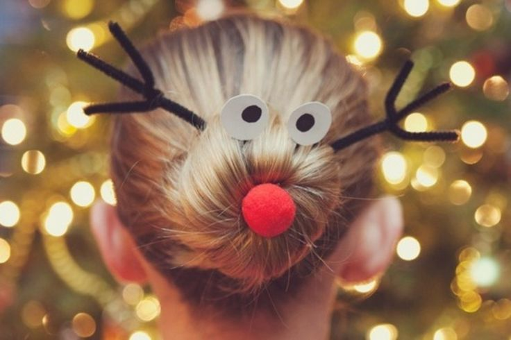 süßer Dutt für Kinder, der wie Rudolf das Rentier aussieht