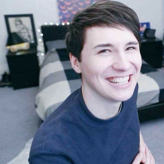 Imagine Dan saying something rly funny and u start laughing and then he starts laughing and kisses u on the lips and u kiss him back