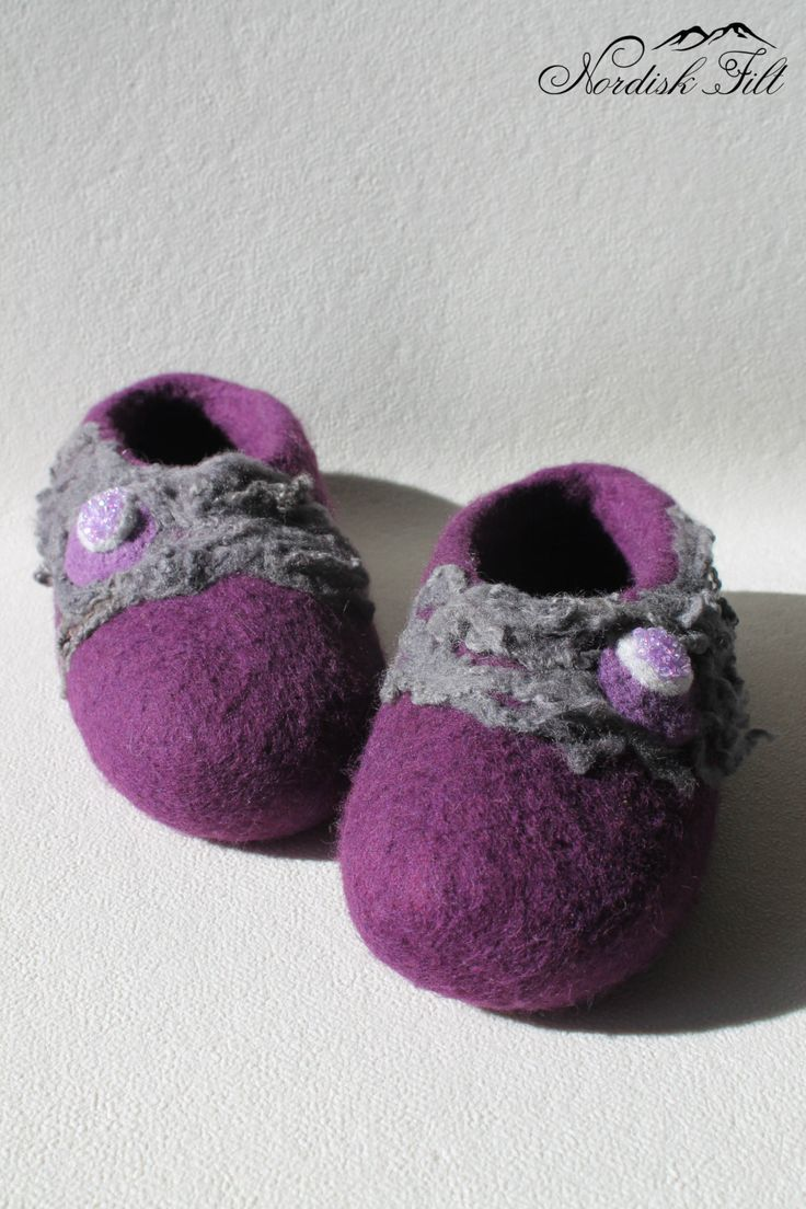 Felted womens wool slippers-Home shoes-dark purple by NordiskFilt on Etsy