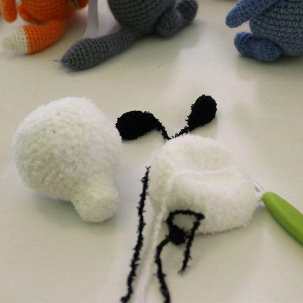 """""""Шерстяной нос"""" на Сибири Мастеровой - за спинами выставленных игрушек рождается новый мишка :)"""