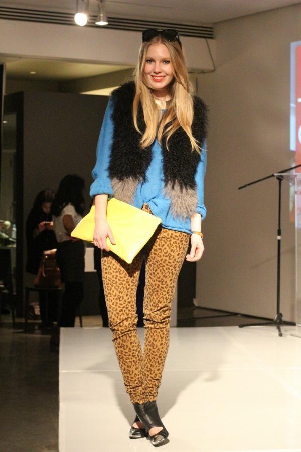 #leopard#denim and fur: Denim Style, Street Style, Leopards Denim