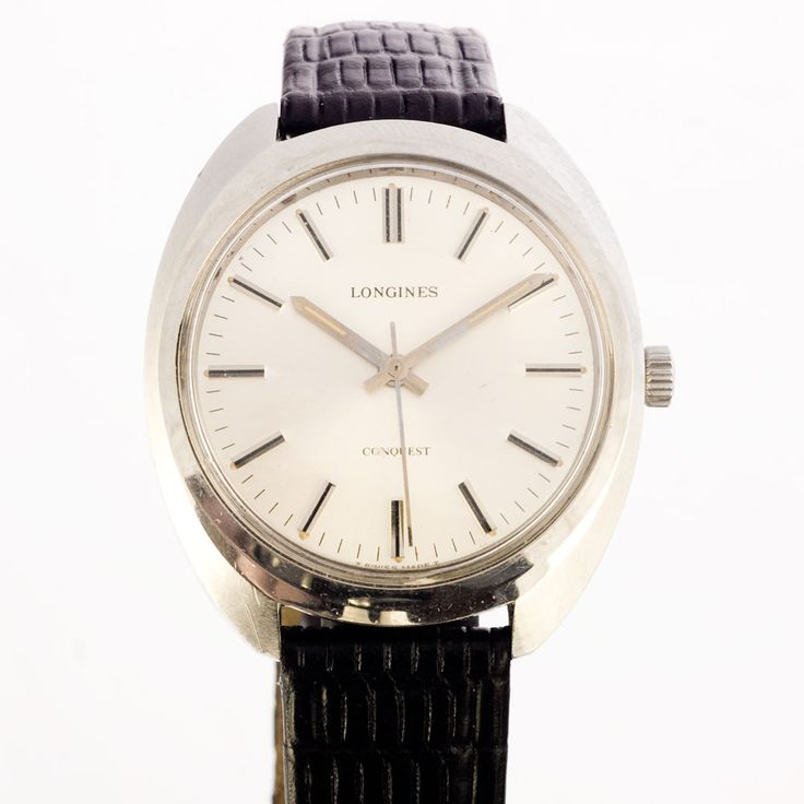 Longines manual winding Conquest watch with it's minimal style