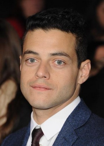 Rami Malek (Benjamin from the Egyptian Coven) at BD2 Black Carpet