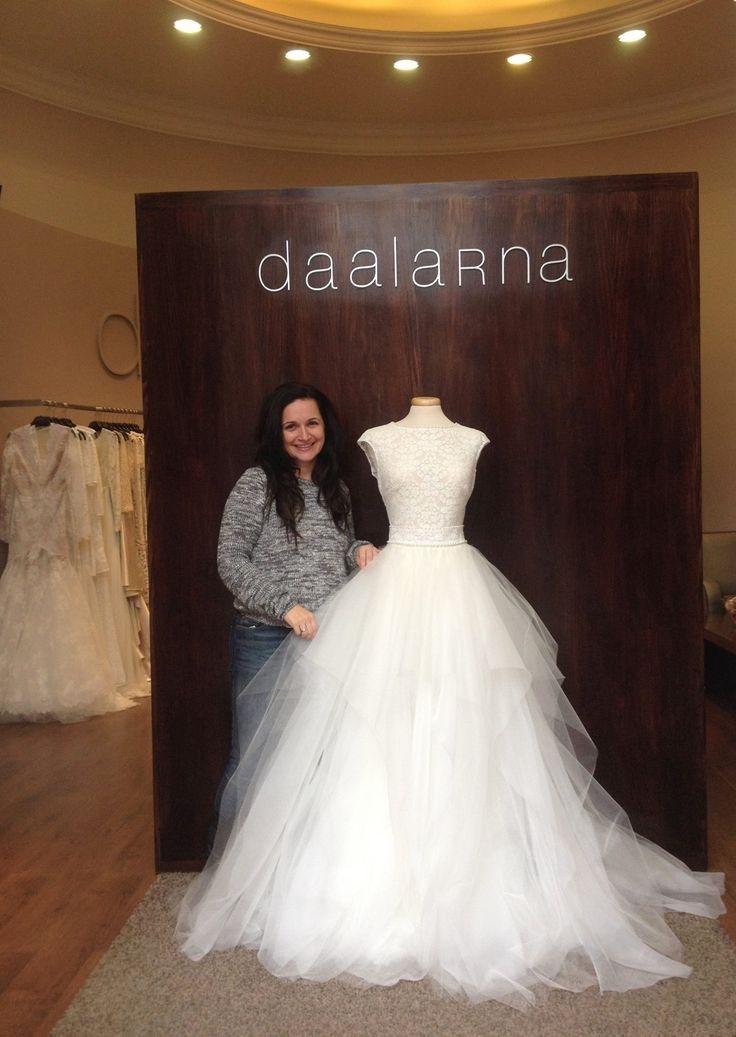 Anita Benes, the designer of Daaarna, decorates our new shopwindow.