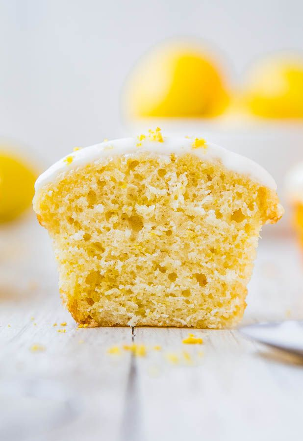 Lemon Cupcakes with Lemon Cream Cheese Frosting - Soft, fluffy, moist, very lemony cupcakes from scratch! Easy one-bowl, no-mixer recipe for cupcakes that taste like they're from a bakery! #lemon #cupcake #creamcheesefrosting