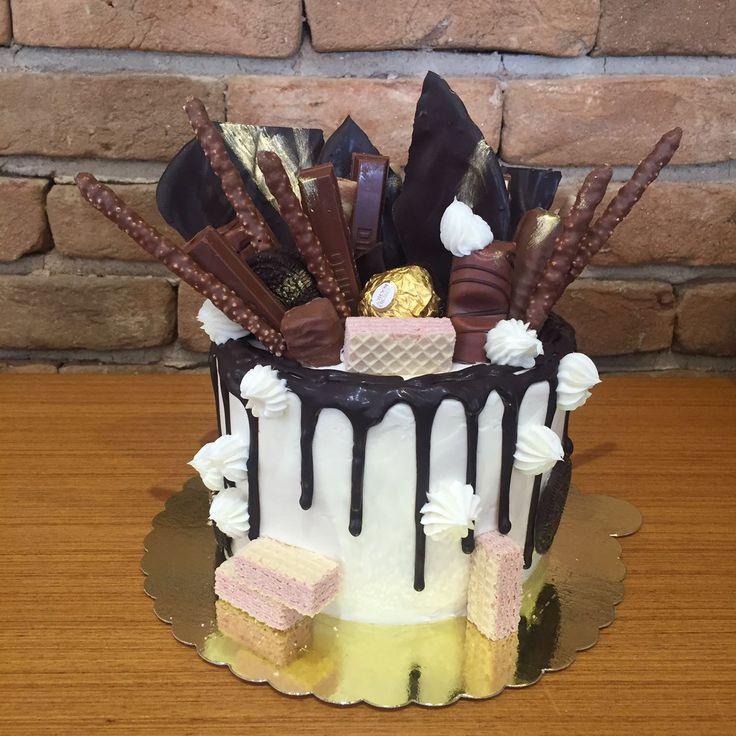 Çikolata Rüyası Doğum Günü Pastası. Renkli Tatlar Cafe Patisserie. İletişim 0258 211 44 44 www.renklitatlar.com.tr