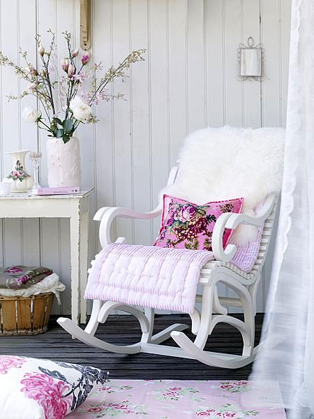 25 best ideas about old rocking chairs on pinterest - Dormitorio vintage chic ...