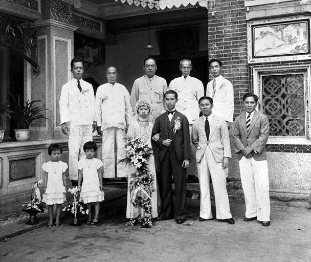 GROUP PHOTO OF A STRAITS CHINESE WEDDING, BY THE HOKKIEN DAY …