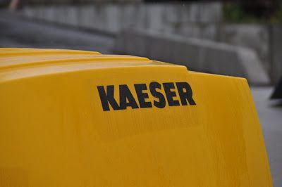 Mobiler Baustellen Kompressor Kaeser gebraucht zu verkaufen bei #itogermany #kaeser #Kompressor #Baumaschinen #Baugeräte #Minibagger #mobilair