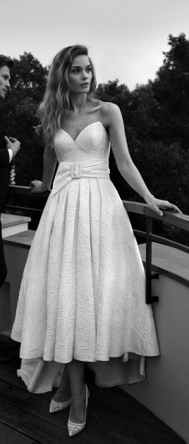 Belle of the Ball - En vert de nuit! Lihi Hod 2015 Wedding Dresses - Belle The Magazine