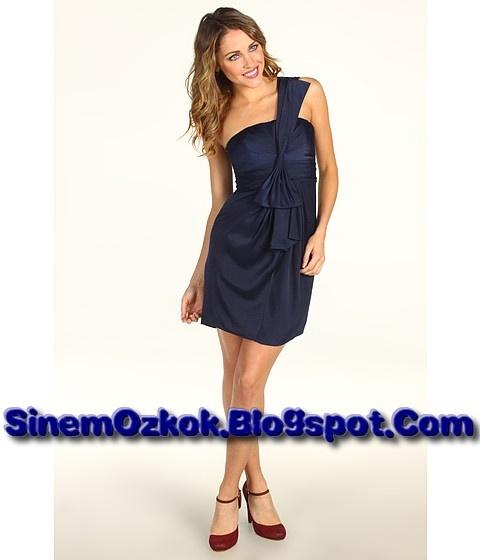 2013'de en moda nişanlık modelleri için bakın: http://sinemozkok.blogspot.com/2013/05/nisanlik-modelleri-2013.html