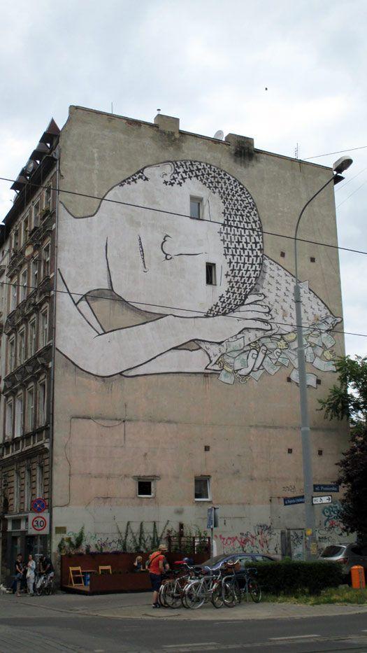 Street art in Wroclaw, Poland © Adam Zulawski