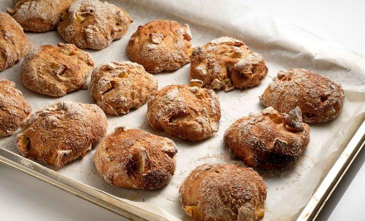 Frisches Apfelvollkornbrot Pane integrale alla mela Wholemeal apple bread - Catering Hannah & Elia