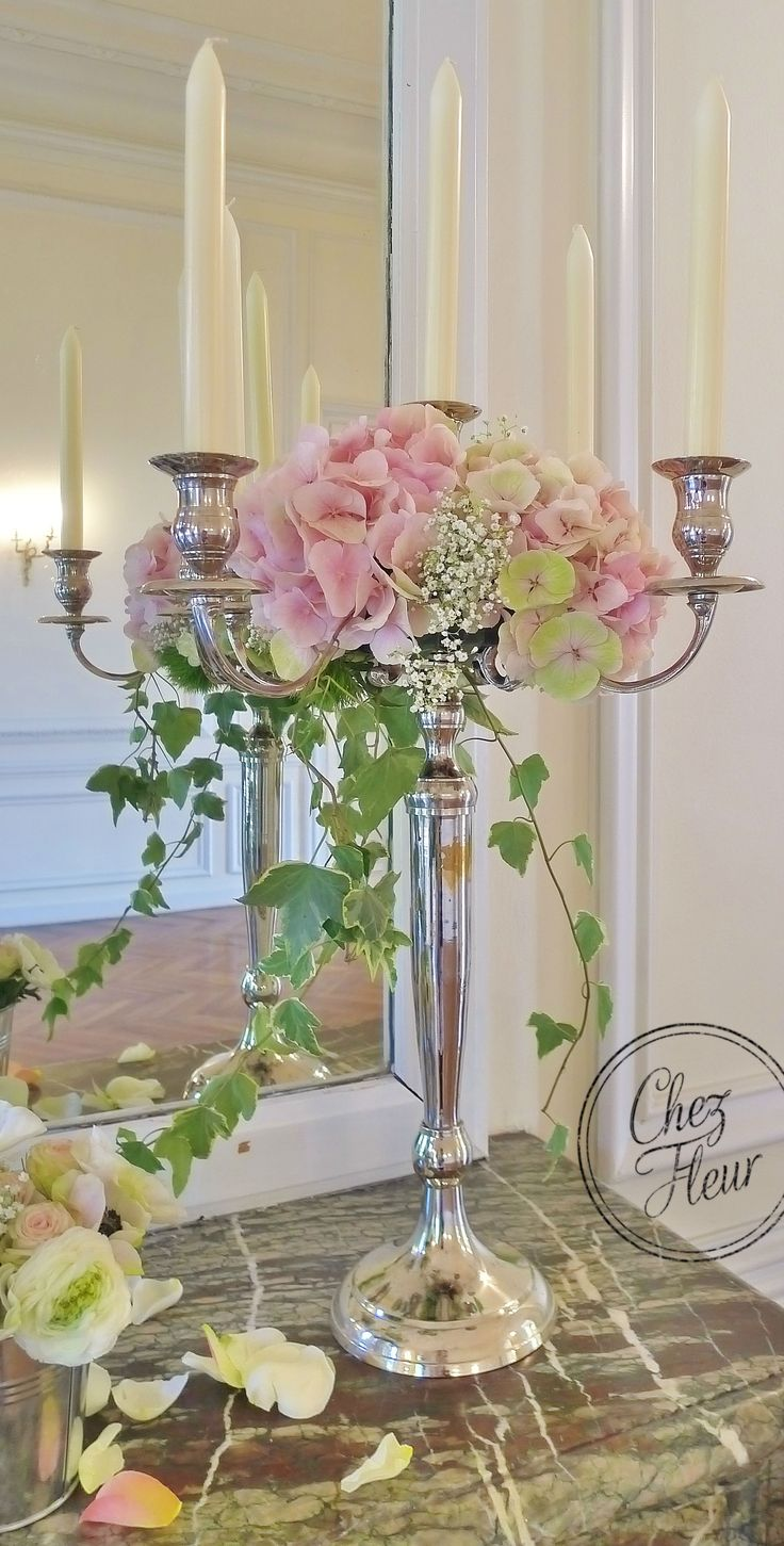 Centre de table Chandelier hortensia et lierre https://www.facebook ...