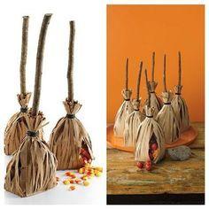 Decoración para Halloween. Escobas de bruja