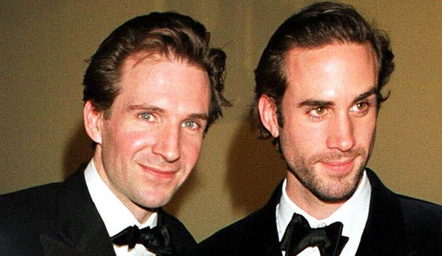 The Fiennes Brothers Top 12 Roles From Schindler S List To The Handmaid S Tale Joseph Fiennes Celebrity Siblings Ralph Fiennes
