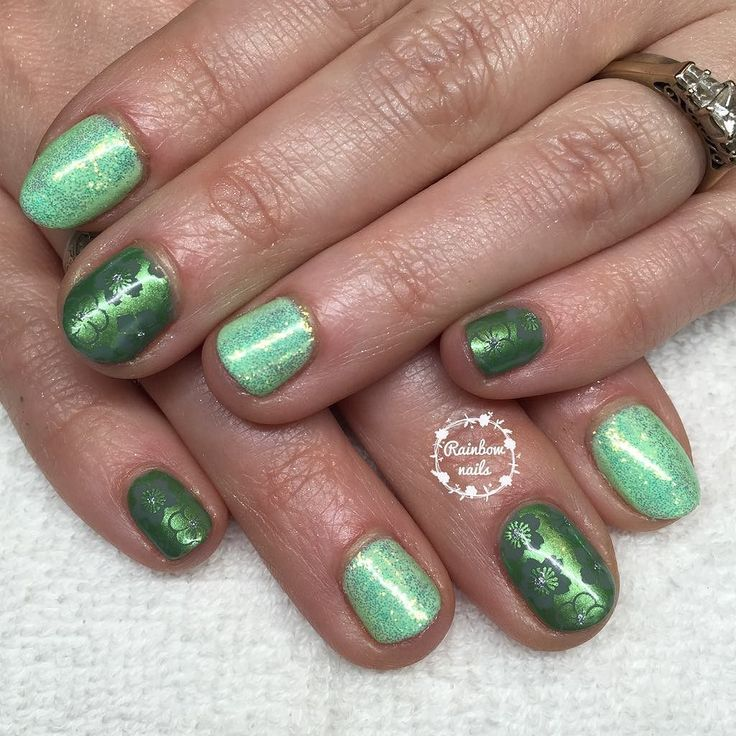 Fresh spring greens  with @magpie_beauty glitter in Bell and @petlaplate floral stamping for @devon_maid_claire #ibdjustgel #gelish #naturalnails #gelpolish #gelmanicure #nails #gelnails #gelnailart #nailart #glitternails #nailtech #plymouthnails #rainbownails #rainbownailsbysophie #nailsalon #homesalon #plymouth #showscratch #stamping #nailstamping #nailsoftheday #nailpromote #nailartist #instanails #scra2ch @scratchmagazine #hitthebottle #magpieglitter by sophrainbownails