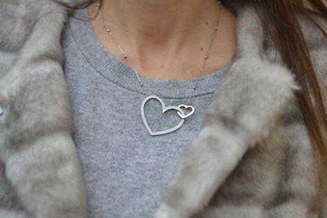 Brosway Gioielli La collana Minuetto, con i suoi intrecci di cuori, è la collezione perfetta da indossare per un outfit romantico e chic. €49 disponibile nel nostro sito web: www.goldd-jewels-italy.com
