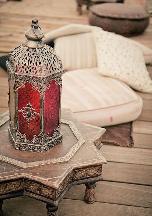 》》 muebles y mesas de Marruecos fotografía . vía Pinterest