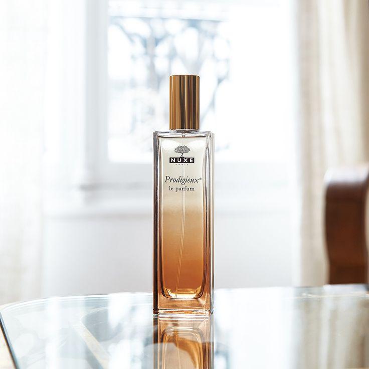 Nuxe Prodigieux Le Parfum |  De mythische geur van Huile Prodigieuse geconcentreerd in een sensueel eau de parfum. Prodigieux Le Parfum, een vrouwelijke geur die naar zon en warm zand zweemt, met toetsen van oranjebloesem, magnolia en vanille.