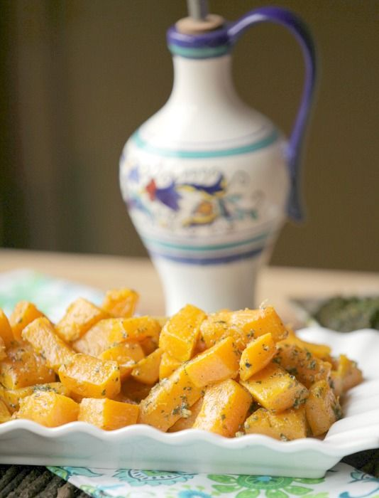 I've got to try this - Healthy, Low Calorie Roasted Butternut Squash with Pesto www.fooddonelight.com