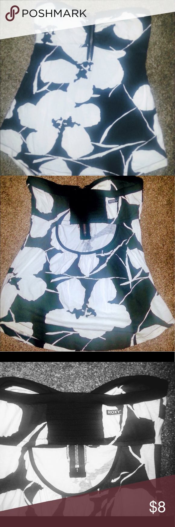 Roxy black and white tube top size XS TP XCH cute Floral print in great condition Roxy Tops