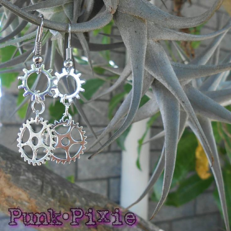steampunk gear and cog earring by Punk Pixie