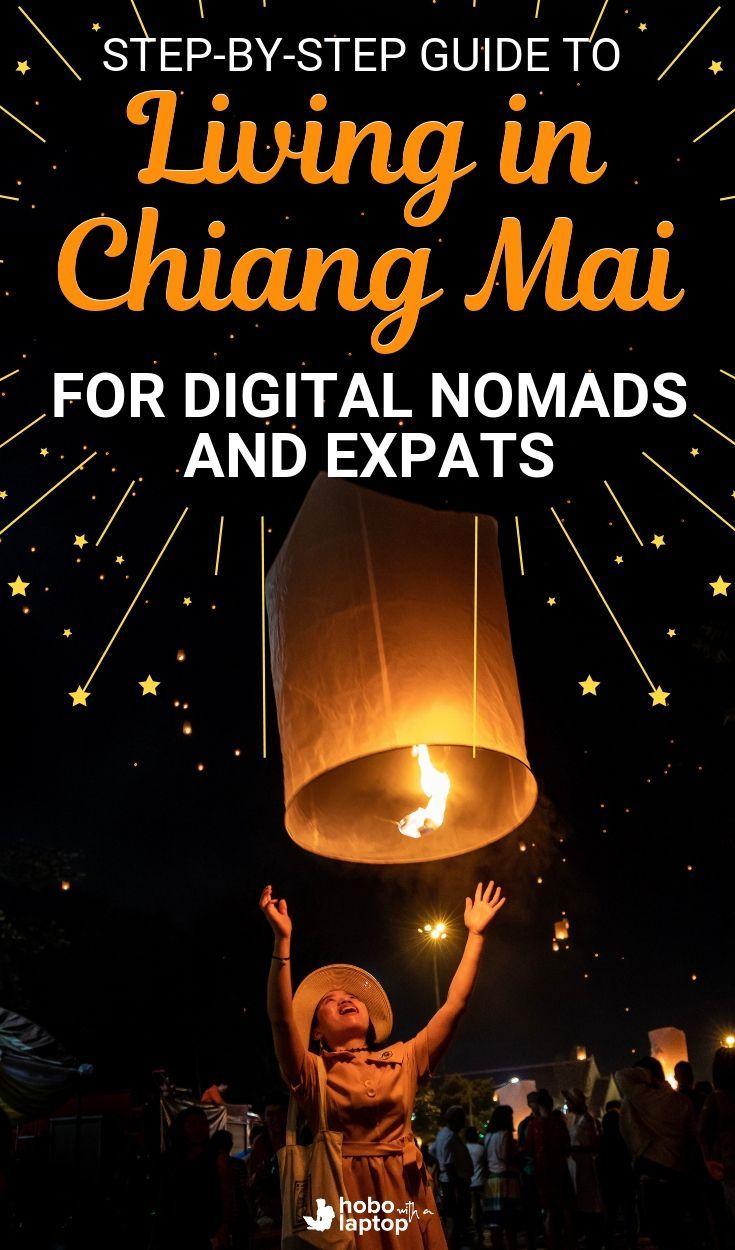 Hobo mit einem Laptop-Handbuch für digitale Nomaden, die in Chiang Mai, Thailand, leben. …   – on the road again…