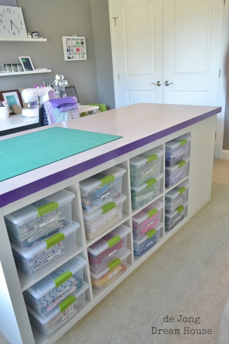 de Jong Dream House: how to build a DIY Craft Table, sewing room table, I like the idea to trim the unfinished edge of the table top (was a door) with duct tape.