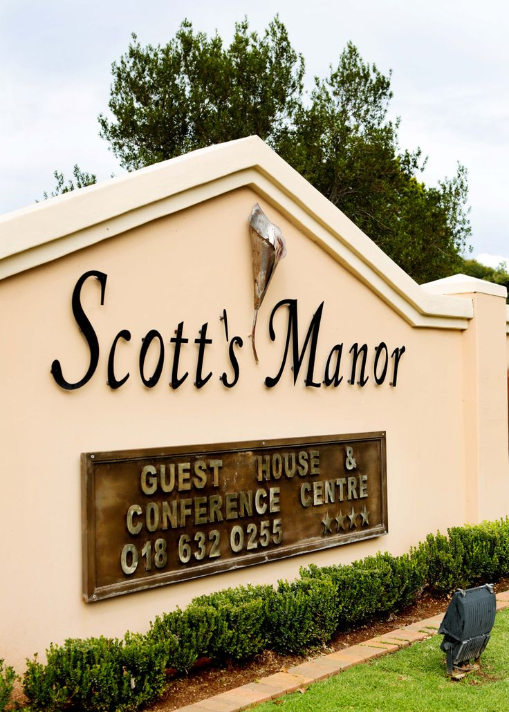 Scott's Manor-Choose them for your next luxurious stop over of 5 star dinner  in Lichtenburg