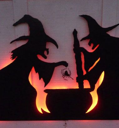 Halloween garage door decor from cardboard with led lights // Halloween ház dekoráció karton papírból led világítással // Mindy - craft tutorial collection // #crafts #DIY #craftTutorial #tutorial #PartiesForKIds #DIYPartyFavorsForKIds #DIYPartyDecorsForKIds