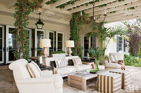 Google Image Result for http://luxuryforthehome.com/wp-content/uploads/2011/08/hank-azaria-outdoor-living-room_article-AD.jpg