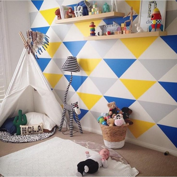 Love this bright & cheerful space by @monica_ferraris featuring a @_lillow_ play mat! Plus lots of other goodies!